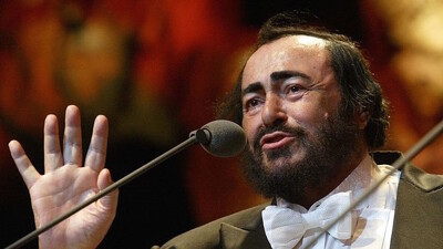 Pavarotti & Friends 99 for Guatemala and Kosovo Trailer