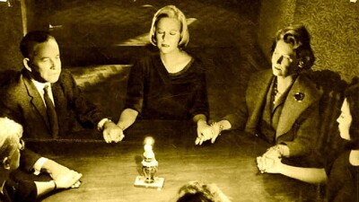 Seance on a Wet Afternoon Trailer