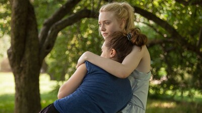 Very Good Girls Trailer