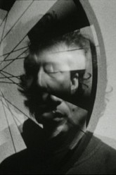 Images overtaken by the wheel of Duchamp Trailer